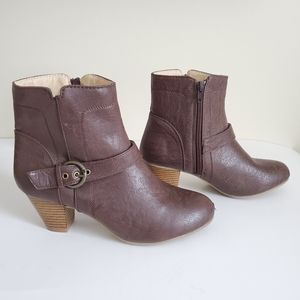 Brown Boots/ Size 7